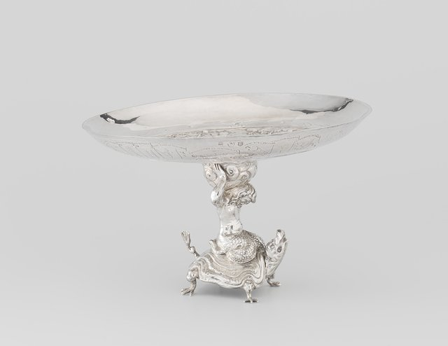 Tazza (footed drinking cup) with Jupiter and Io