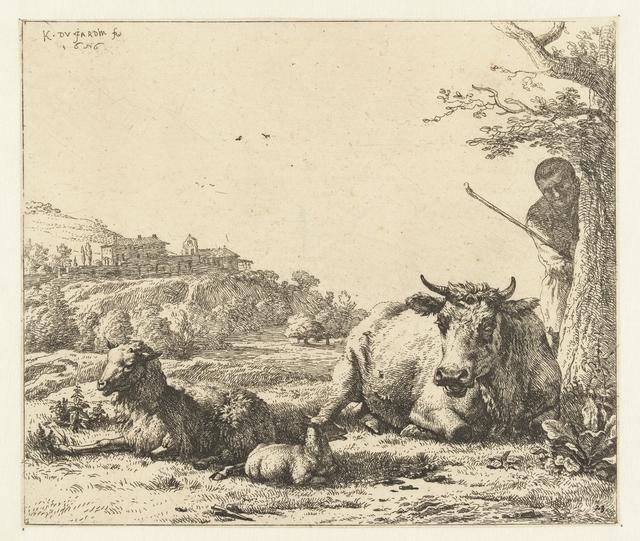 Landschap met herder achter boom en liggende koe met schaap en lam