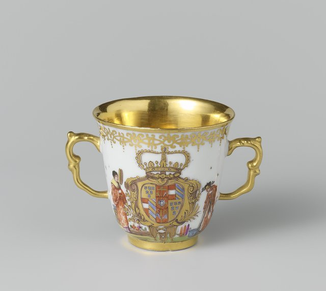 Chocolate cup with the arms of Antonio Farnese, Duke of Parma