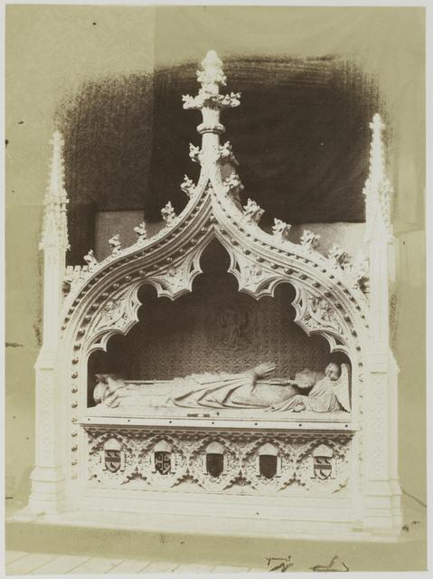 Replica van een middeleeuwse grafsteen [Mediaeval Tomb. (Caen Stone) Myers.,]  op de Great Exhibition, Londen