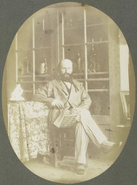 Portret van Marie Eugène Bour voor een instrumentenkast