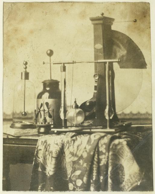 Stilleven met wetenschappelijke (natuurkundige) instrumenten