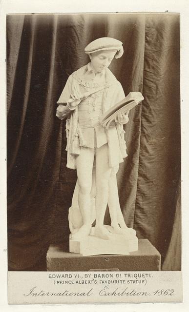 Sculptuur van Edward VI, door Baron di Triqueti ('Prince Albert's favourite statue'), tentoongesteld op de International Exhibition, Londen 1862