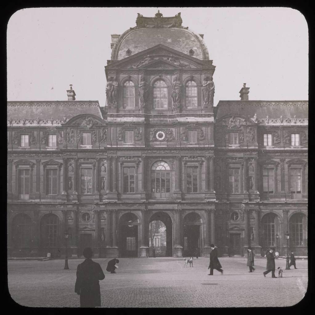 Paris. Le Louvre. Palais de l'Horloge Mazo, E.