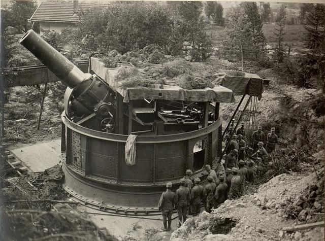 42 cm Haubitzen Stellung im Canaltal bei GUGG. Besichtigung des K.H.L./15 durch Sr. Exzellenz des Armee - Kommandanten.