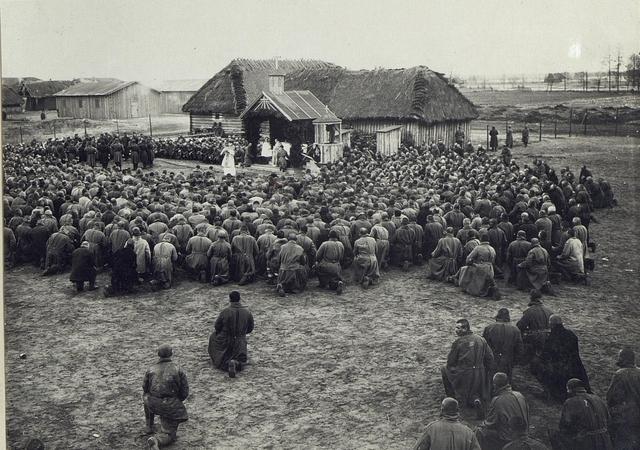 Abbildung von Leben im Feld und Unterkünften am russischen Kriegsschauplatz