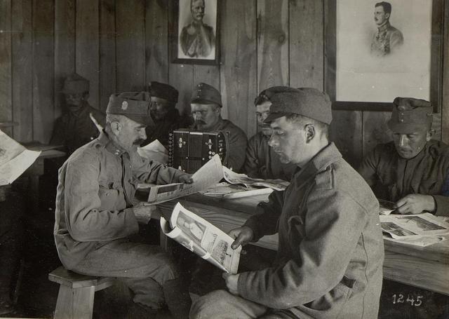 Abbildungen vom Leben an der Front bzw. im Hinterland, russischer Kriegsschauplatz