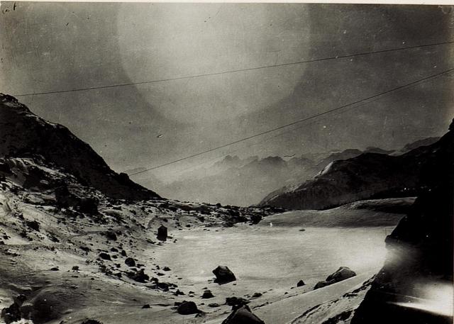 Ausblick vom Valparola - Sattel gegen Tre Sassi.