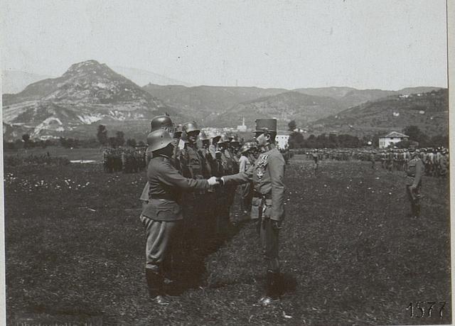 Besuch des Kaisers in Persen.