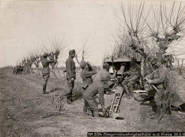 Fliegerabwehrgeschütz a.d. Piave 20.3.18.