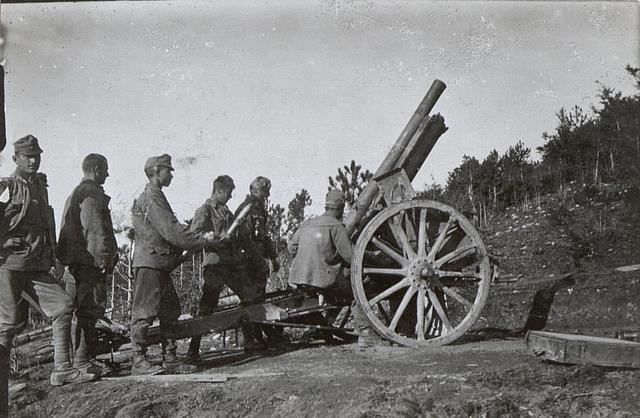 Fliegerabwehrgeschütz a.d.Isonzofront. 5.9.17.