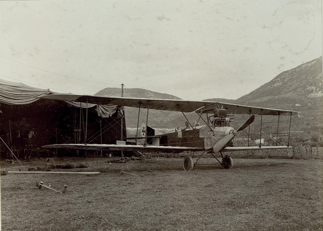 Flugzeug in Aissovizza