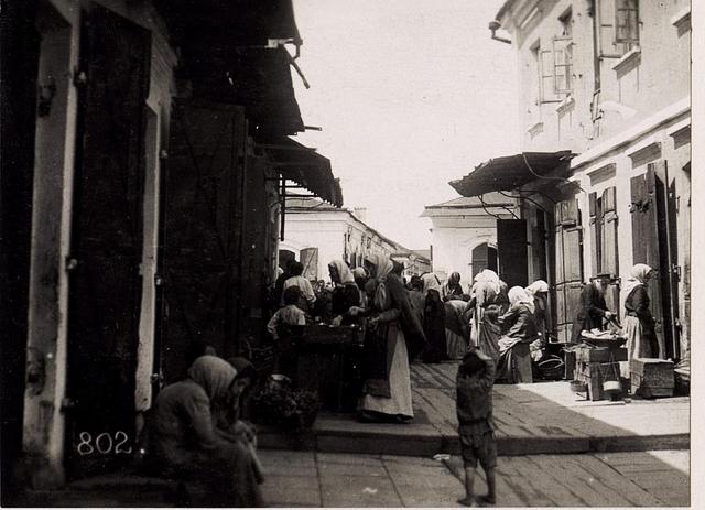 Gasse bei der jüdischen Synagoge in Wladimir Wolinsky