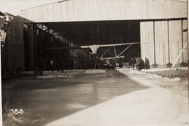 Hangar in Durazzo.