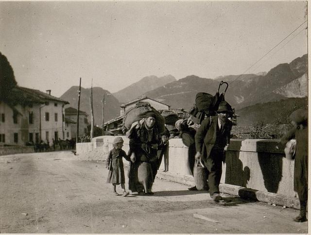 Italienische Flüchtlinge in Resiutta