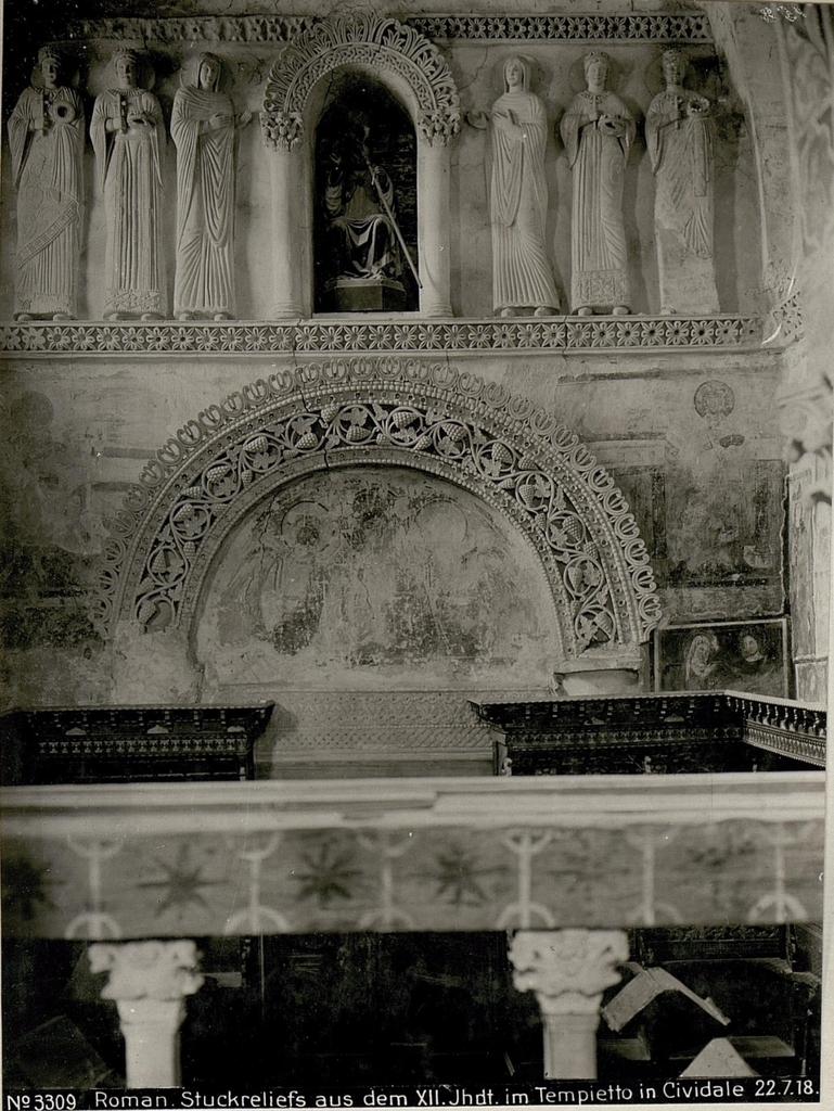 Roman, Stuckreliefs aus dem XII.Jhdt.im Tempietto in Cividale 22.7.18.
