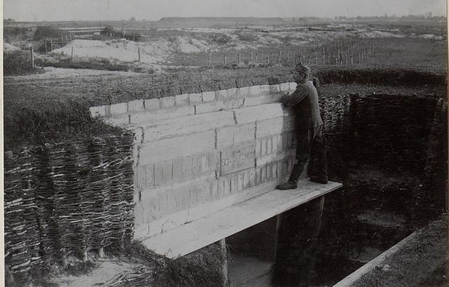 Technischer Lehrkurs Chelm.M.G.Hangar Sch.11.2.Linie.