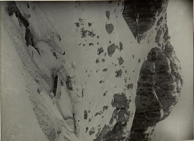 Unterstände der Lst.4/10 auf dem Rudnigsattel (1962) Hintergrund der nordwestlichen Gipfel Kote  2222 des Rosskofl.