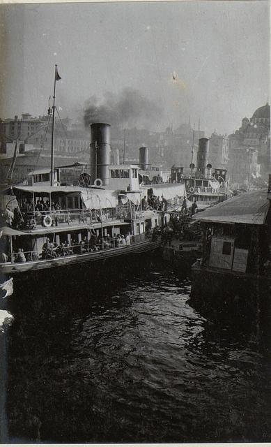 Angestellte vom Dampfer in Galata.