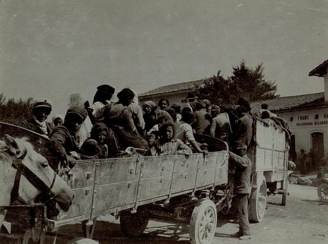 Die Bevölkerung aus Gorizia (Görz) wird mittels LKW  evakuiert