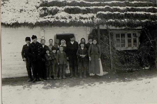 Einwohner einer Hütte von Strzegowa, welche während der ganzen Schlacht in Ihrer Behausung blieben.