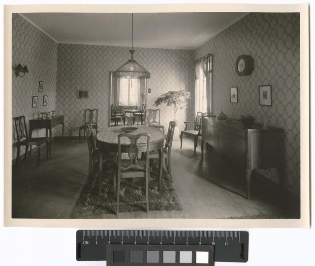 Göteborgs Jubileum (Minnesutställningen), 1923 Konstindustrins byggnad. Matsal. Tapet av Alf Munthe för Stockholms Nya Tapetfabrik