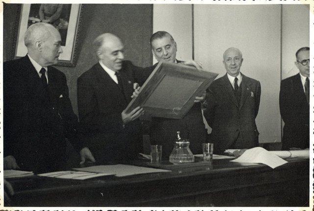 [Homenaje del Colegio Oficial de Farmacéuticos de Jaén en octubre de 1948] [Material gráfico]