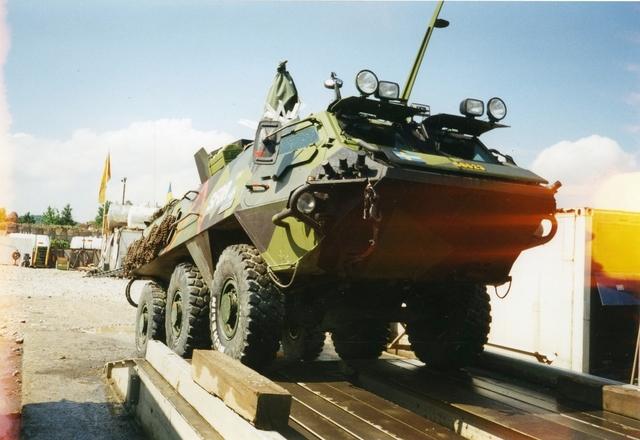 Utrikestjänst, FN. Camp Oden i Tuzla. Pansarskytteforden SISU.