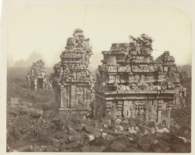 Candi Sewu (Temple complex)(Buddhist) subsidiary temples. Bokoharjo, Yogyakarta district, D.I. Yogyakarta province, 8th -9th century.