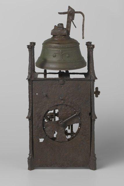 Clock and gunpowder horn