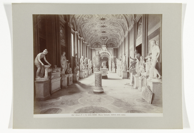 Galleria delle statue in het Museo Vaticano