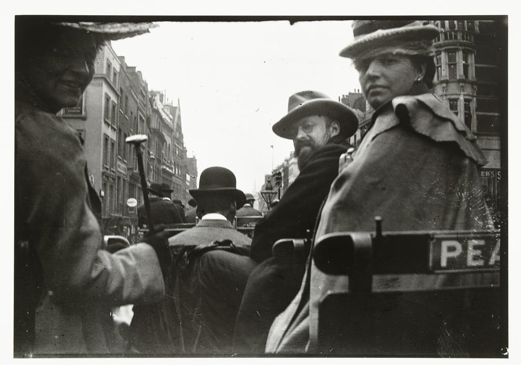 George Breitner en Marius Bauer in een rijtuig in Londen