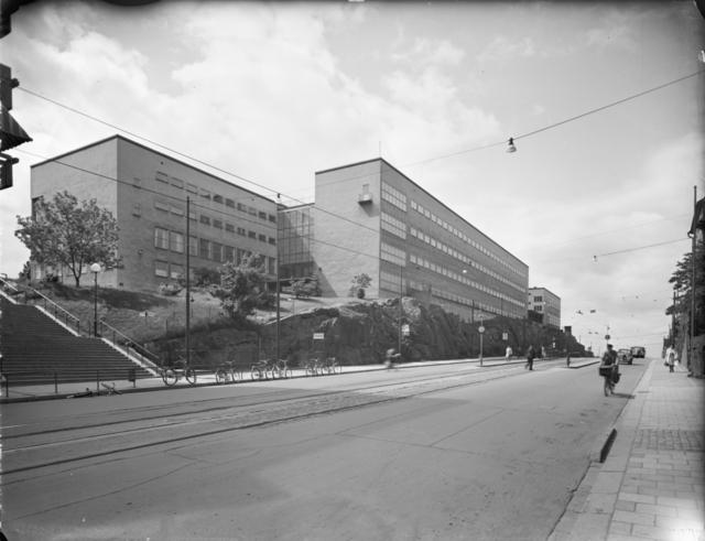 Hornsgatan från Ansgariegatan, Södermalm, Stockholm Södra kommunala mellanskolan (senare Globala gymnasiet) Exteriör