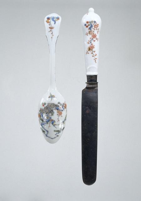 Lepel met een porseleinen heft, veelkleurig beschilderd met een Kakiemon-decor
