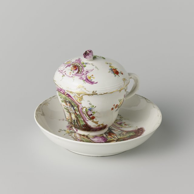 Lidded chocolate cup and saucer