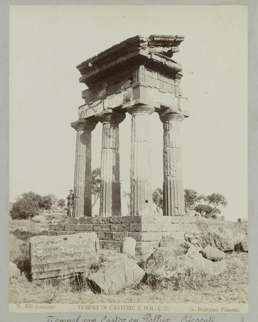 N. 335 Girgenti Tempio di Castore e Polluce