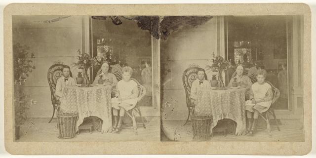 Portret van Henry Pauw van Wieldrecht (links), Adriana Johanna  ('Jenny') Pauw van Wieldrecht (rechts) en hun moeder, Aletta Cornelia Anna Voombergh
