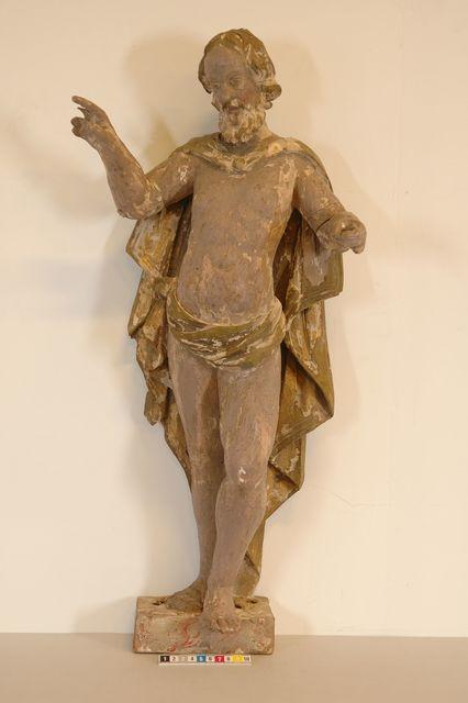 skulptur (den återuppstånde kristus) av trä