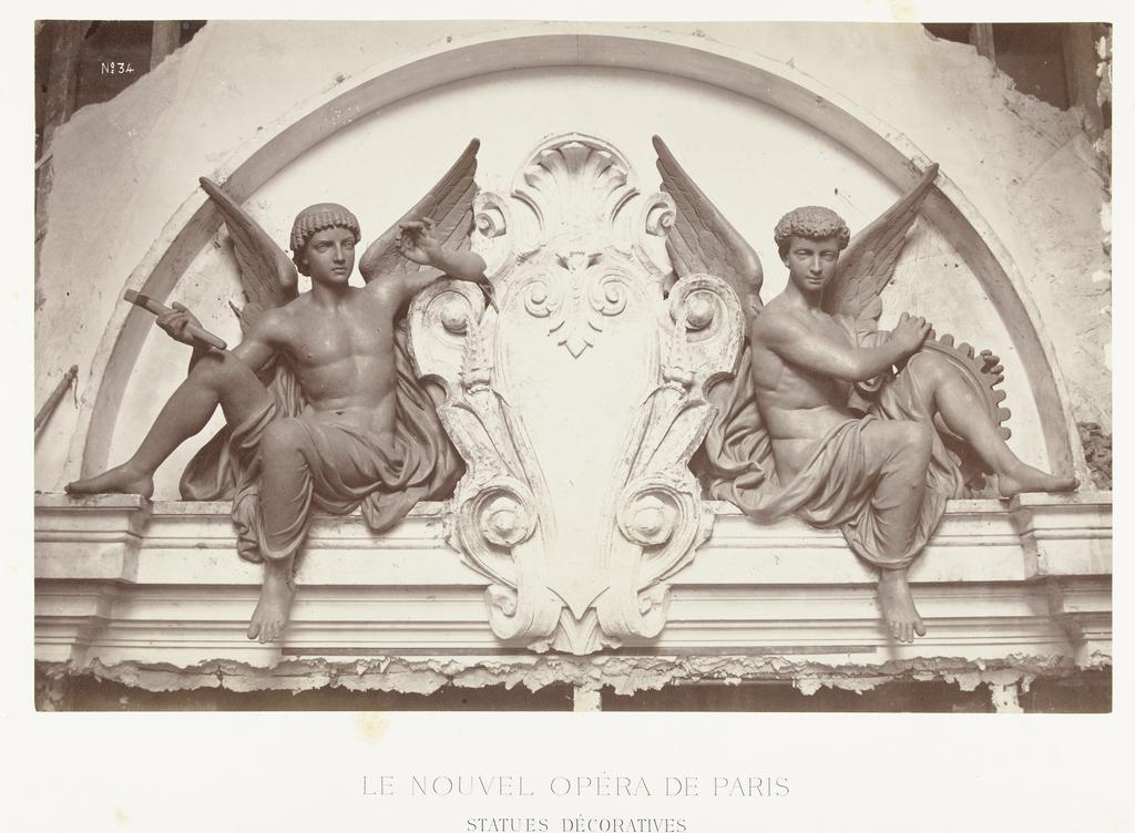 Bronzen Engelen Beelden.Twee Bronzen Beelden Van Mannelijke Engelen Met Raderen En