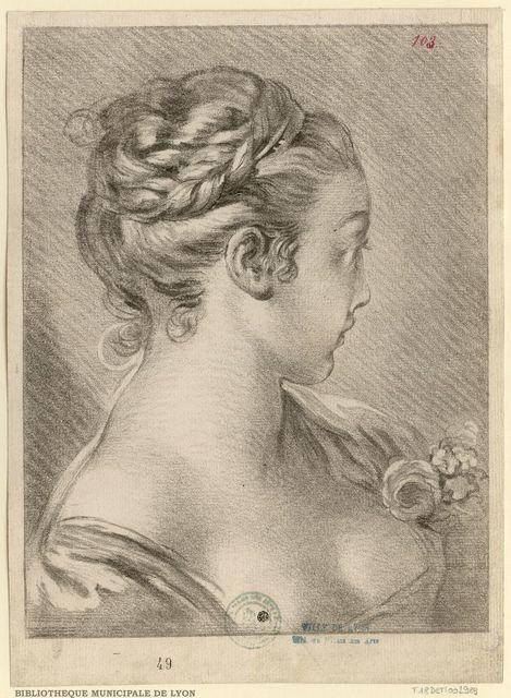 Buste De Jeune Fille Decolletee De Trois Quarts A Gauche Le