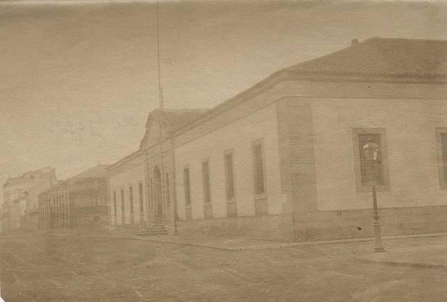 [Colección de fotografías sobre Gijón] [Material gráfico]: [edificios antiguos y modernos : iglesias]