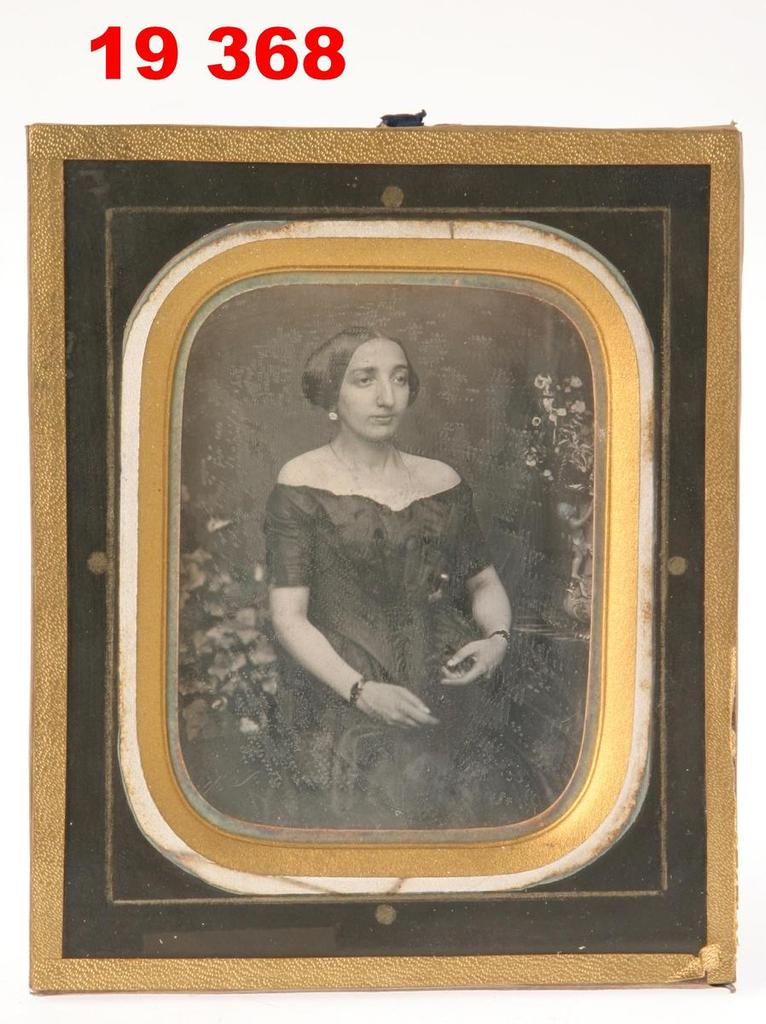 Daguerreotype of an unknown woman