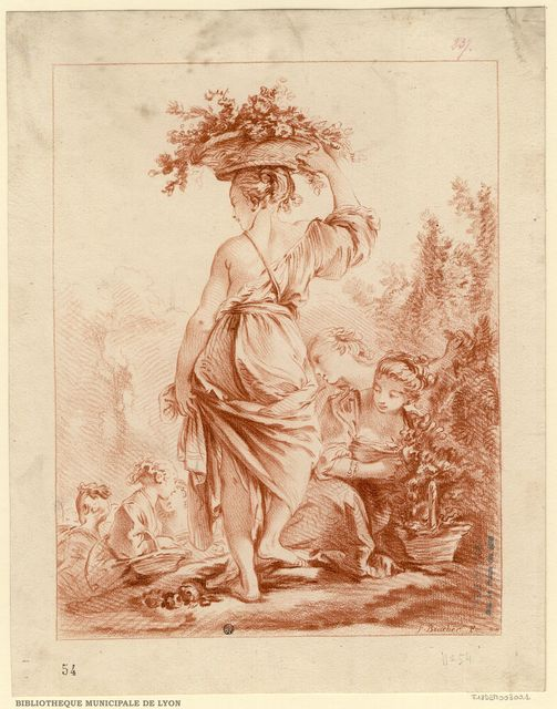 La Jardinière : jeune fille, vue de dos, épaules et jambes nues, une corbeille sur la tête, en compagnie d'autres jeunes filles dans un parc