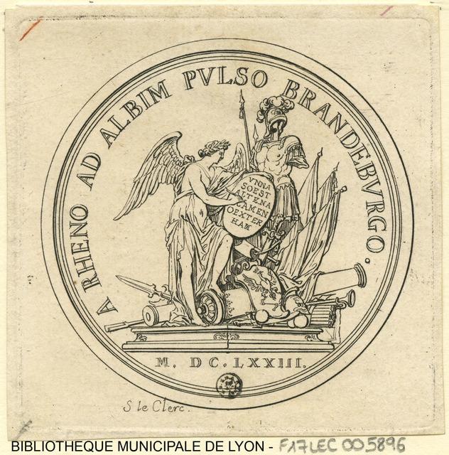 L'électeur de Brandebourg repoussé jusqu'à l'Elbe. La Victoire écrivant sur un bouclier posé contre un trophée d'armes