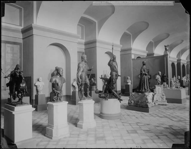 [MUSEO DEL PRADO - 215 - VISTA DE LA SALA DE ESCULTURA. (RENACIMIENTO)] [Material gráfico]