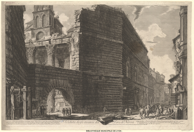 Veduta degli avanzi del Foro di Nerva = Vue de l'entrée du Forum de Nerva