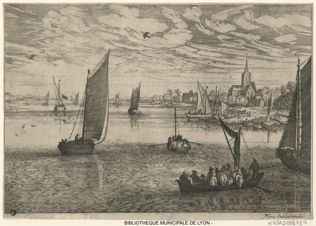 Vue d'une côte avec des bateaux